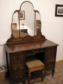 Dressing Table in Springfield Room